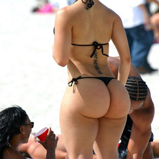 IFWT_ThongThursday_beach