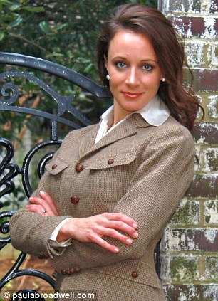 Paula-Broadwell-the-woman-at-the-center-of-David-Petraeus-cheating-scandal-warned-another-woman-to-stay-away-from-the-retired-general