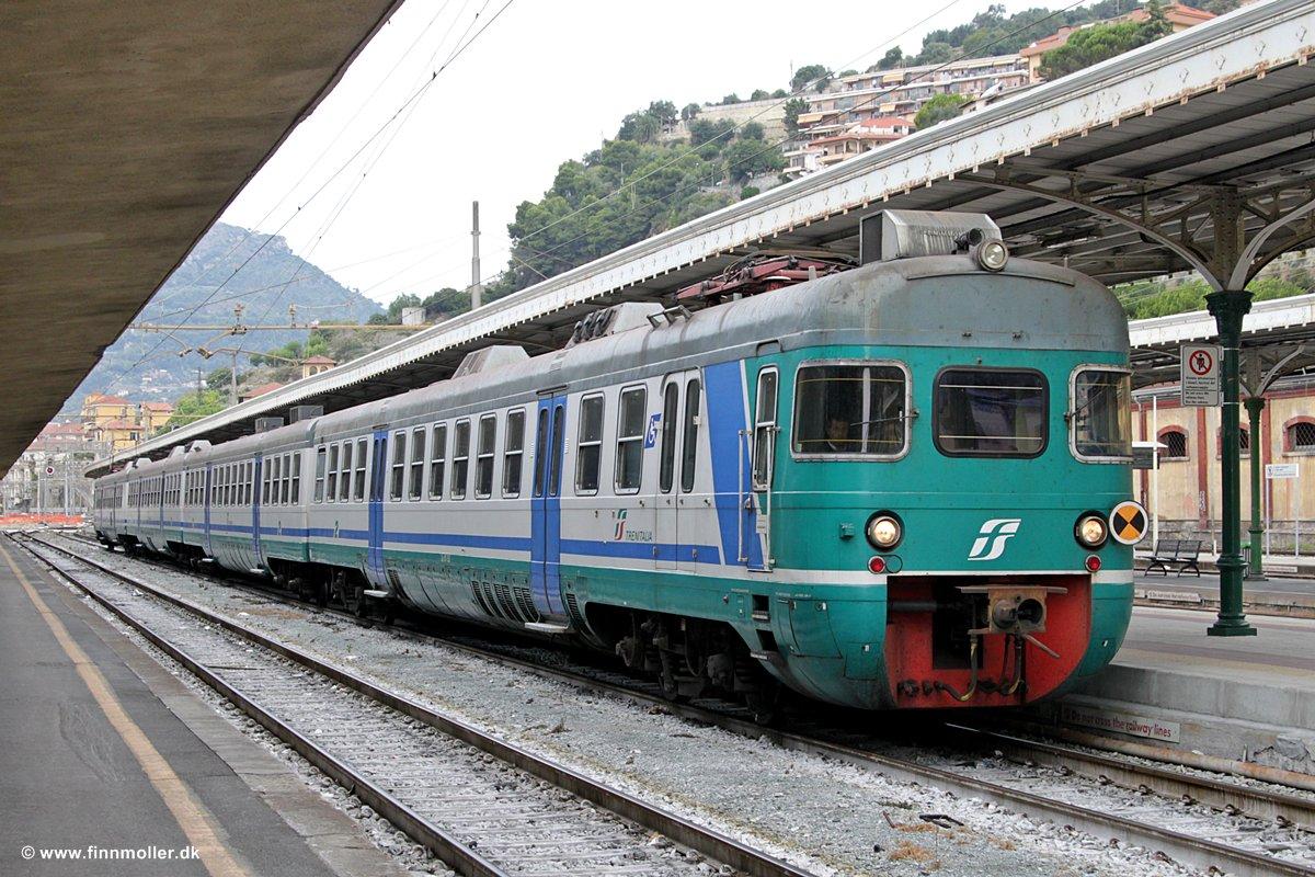 """""""Partire è un po' morire"""" disse un viaggiatore Trenitalia."""