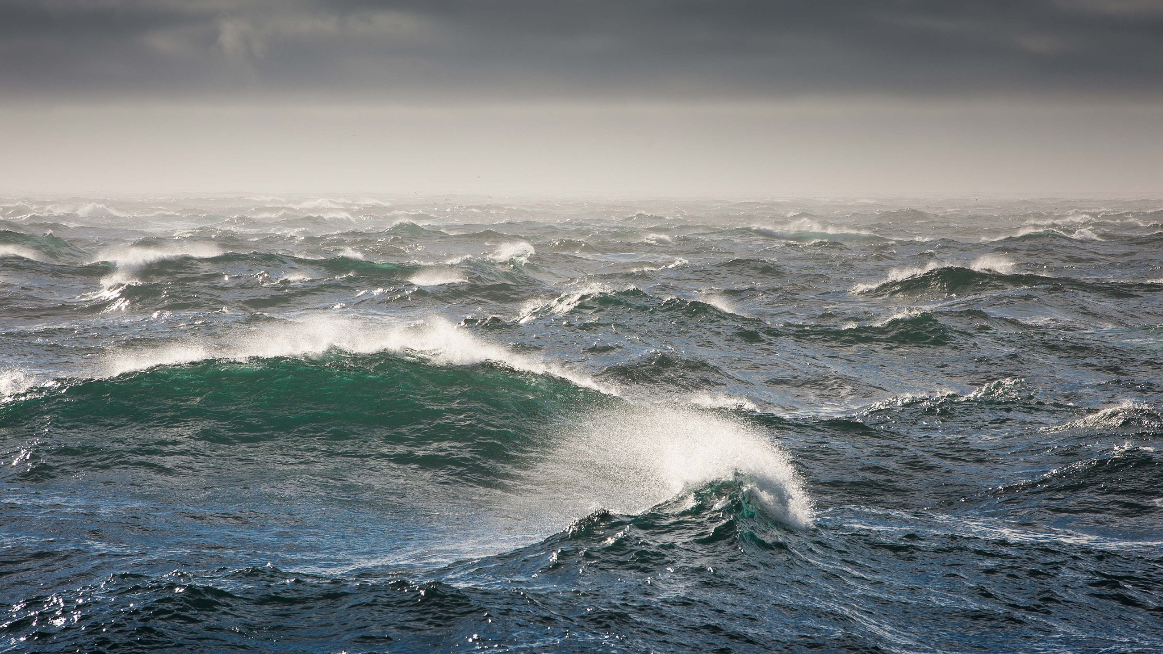 bering_sea_waves_storm_sea_81031_3840x2160